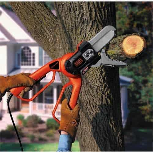 Black & Decker LP1000 Alligator Lopper cutting branches