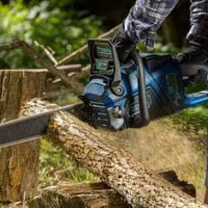 Zombi ZCS5817 58V cutting firewood opposite