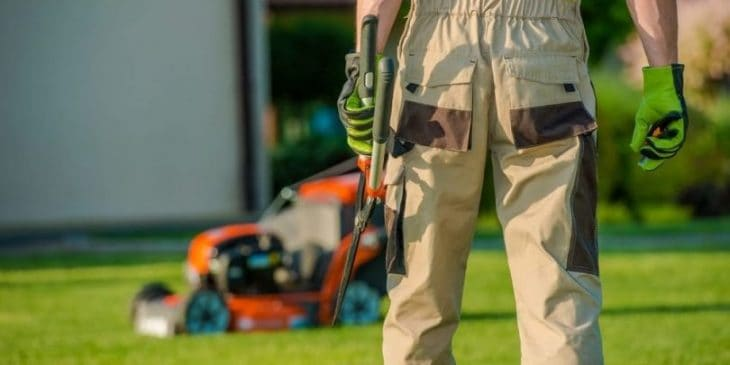 Commercial Lawn Mower vs Residential Lawn Mower - ProGardenTips