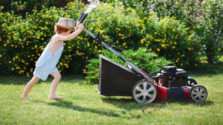 can kids use gas powered lawn mowers?