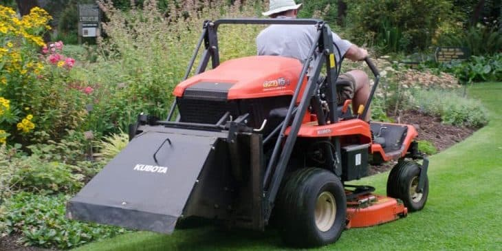 kubota zero turn mower backside